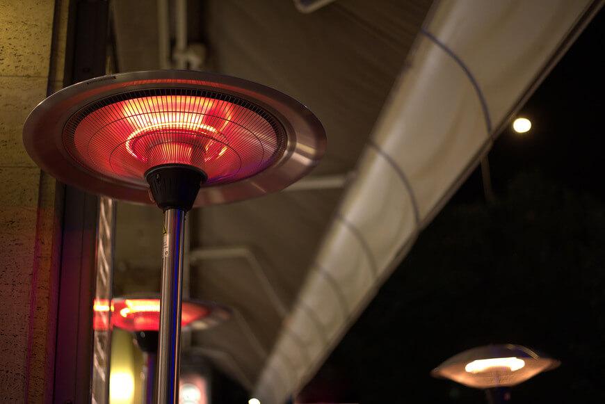 lampe chauffante de terrasse
