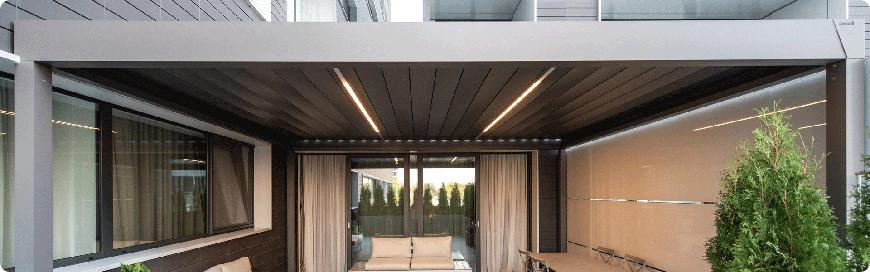 pergola avec toiture à lame orientable
